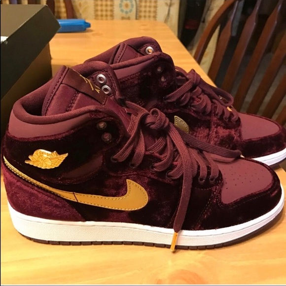 brand new a65e3 ef7ee Air Jordan 1 maroon velvet heiress collection NWT